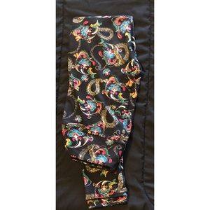 NWOT ON THESE ADORABLE CUTE PRINT LEGGINGS! OS